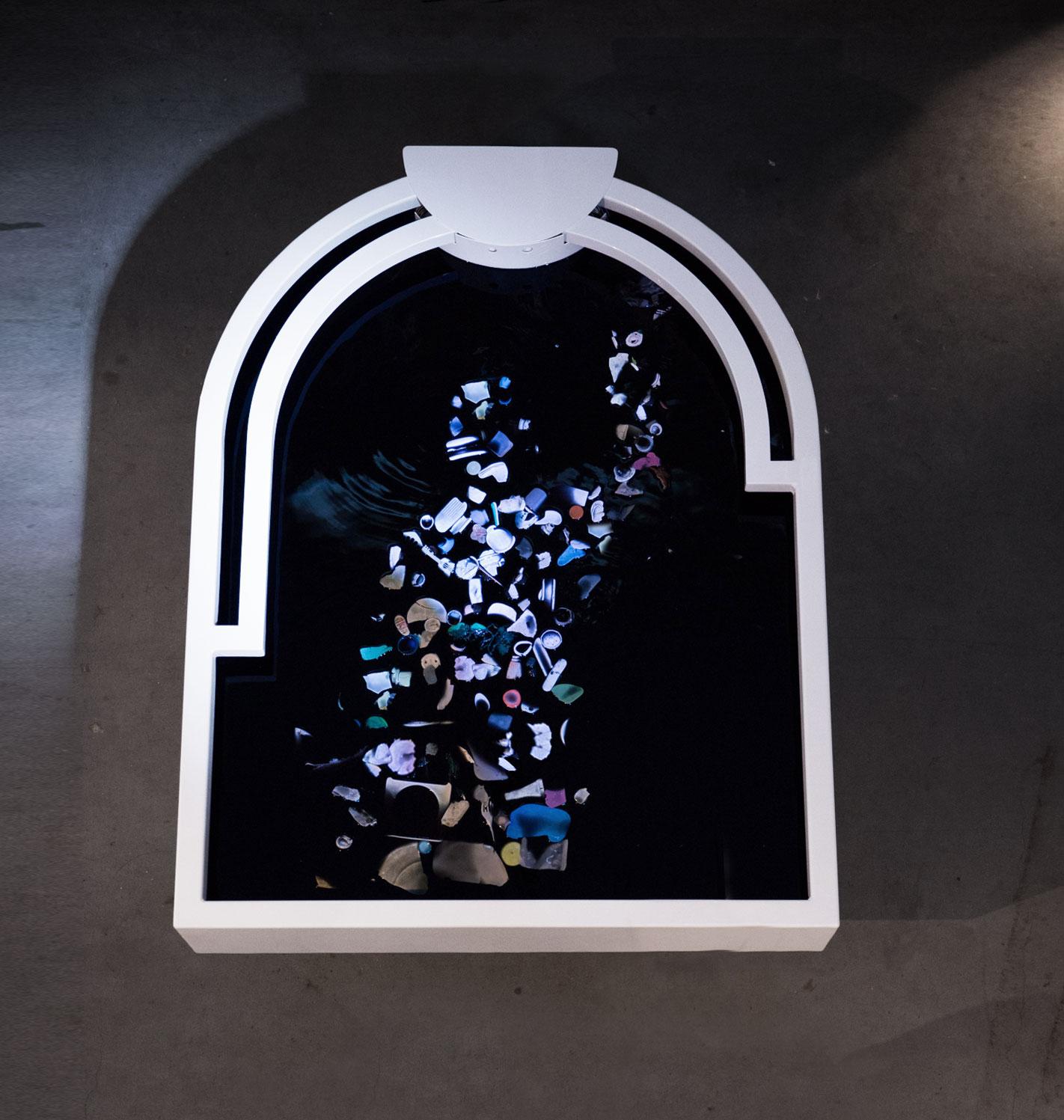 plastic-reflectic-interactiveinstallation-thijsbiersteker-1