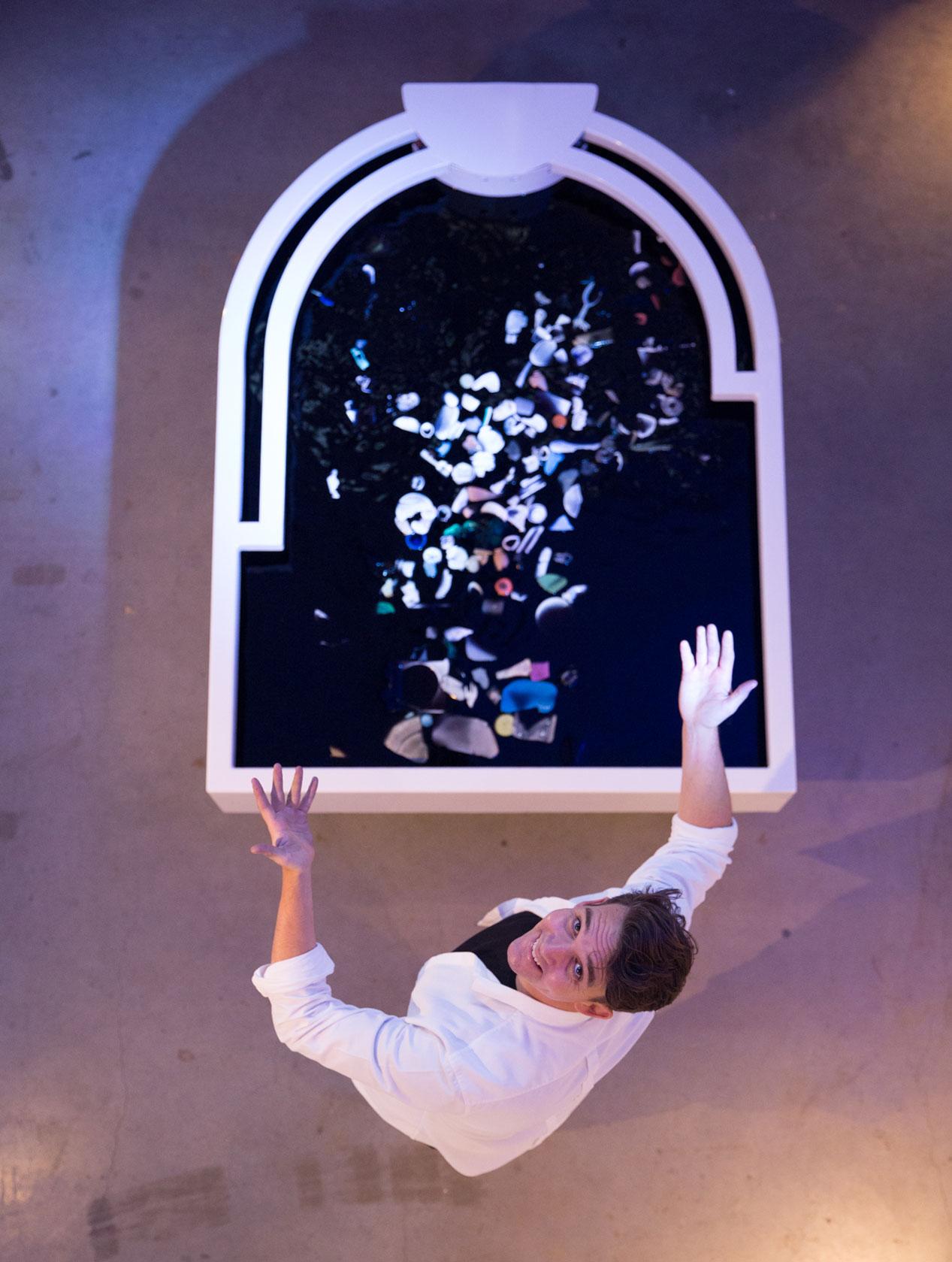 plastic-reflectic-interactiveinstallation-thijsbiersteker-10